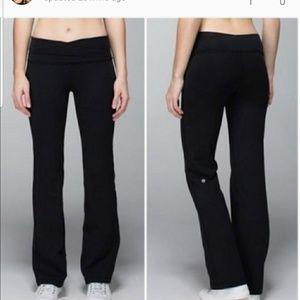 "Lululemon Astro Pant Tall size 4 black in EUC 33"""